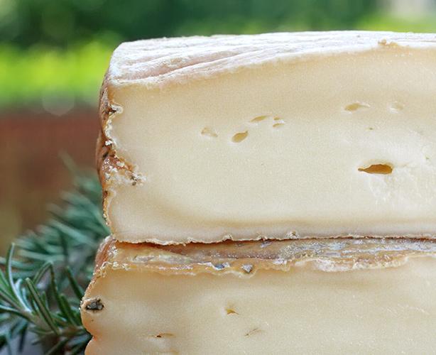 formaggio a latte crudo