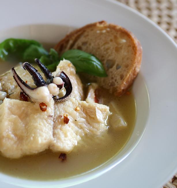 zuppa di pesce in bianco
