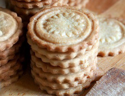 Biscotti normali alle mandorle