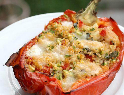 Peperoni ripieni di quinoa e zucchine